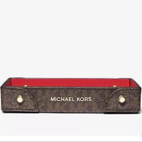 Michael Kors Logo Small Travel Accessory Tray